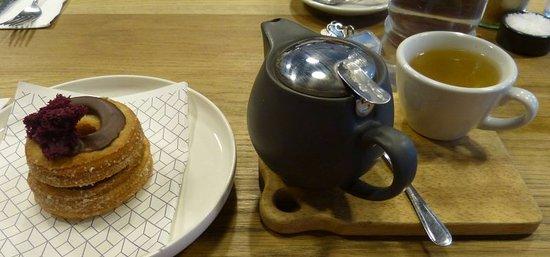 Fitzroy, Australia: Choc berry cronut & tea