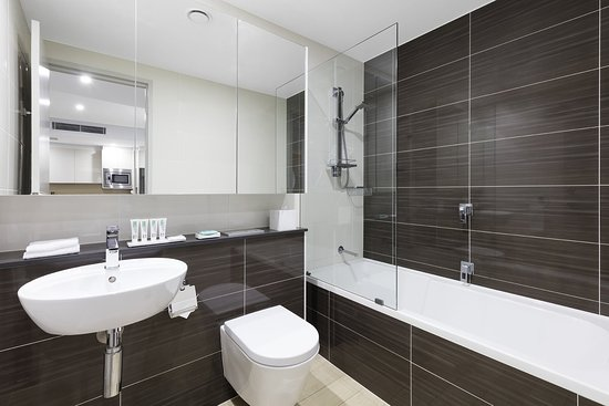 North Ryde, Australia: Modern Suite With Bedrooms Ensuite
