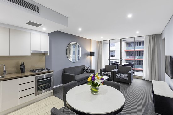 North Ryde, Australia: Modern Suite With Bedrooms Living