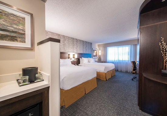 Columbus, MS: Queen/Queen Guest Room