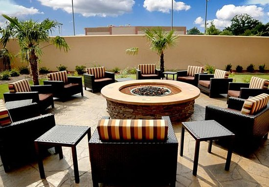Pearl, MS: Outdoor Fire Pit