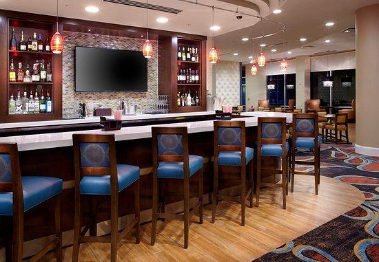 Secaucus, NJ: Lobby Lounge