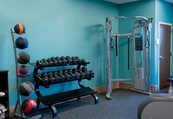 Urbandale, IA: Fitness Center – Free Weights