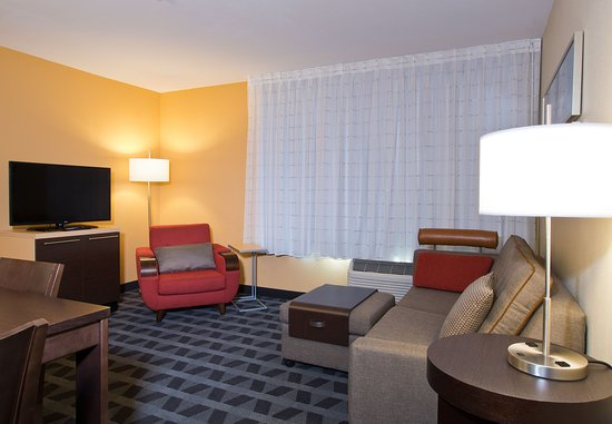 Garden City, Канзас: Suite Living Area