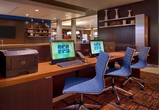 Lehi, UT: Business Center