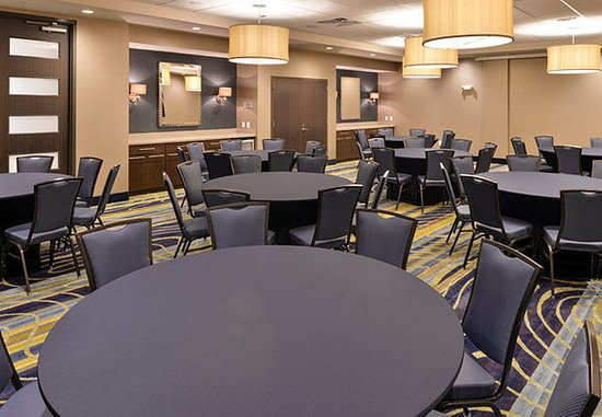 Cary, Carolina del Norte: Meeting Room – Rounds Setup