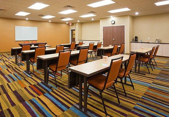 Vadnais Heights, Minnesota: Meeting Room – Classroom Setup