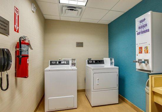 Columbia, TN: Laundry Area