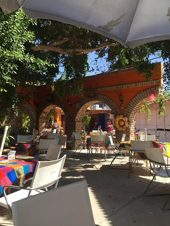 Los Algodones, Mexico: One of our favorite places to eat good food live music and dancing