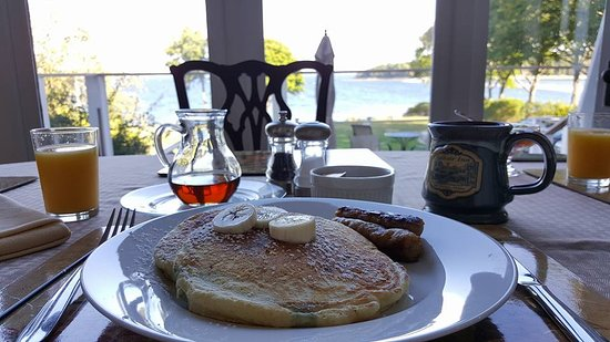 I want to go back just for the food picture of saltair for Food bar harbor