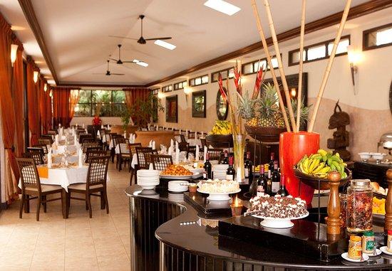 Protea Hotel Kampala: Chapter One Restaurant – Buffet