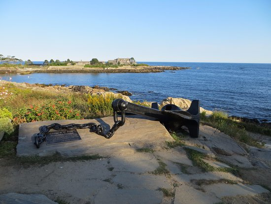 Kennebunkport, ME: Anchor with President's house behind it