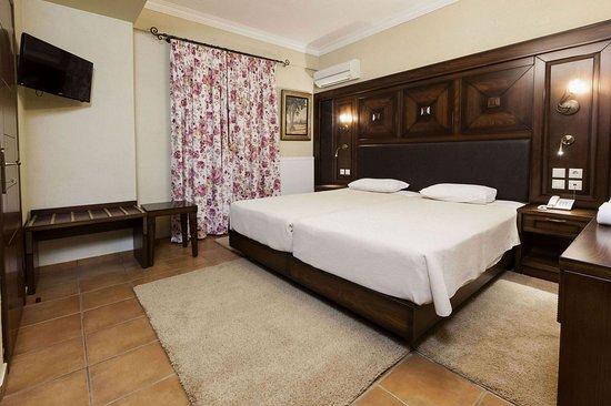 Dellas Boutique Hotel: DoubleTwin Room Meteora View
