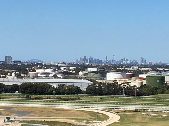 Rosehill, Australie : View from 11th floor room looking at the city