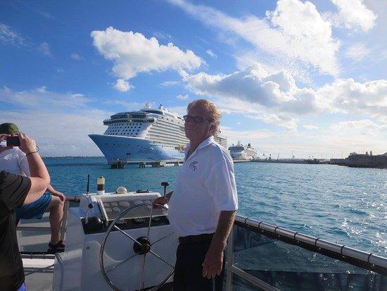 Hamilton, Bermuda: Our very informative captain