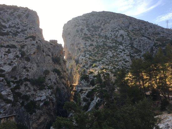 El Chorro, Spanyol: Gangsti på bjergsiden kan anes