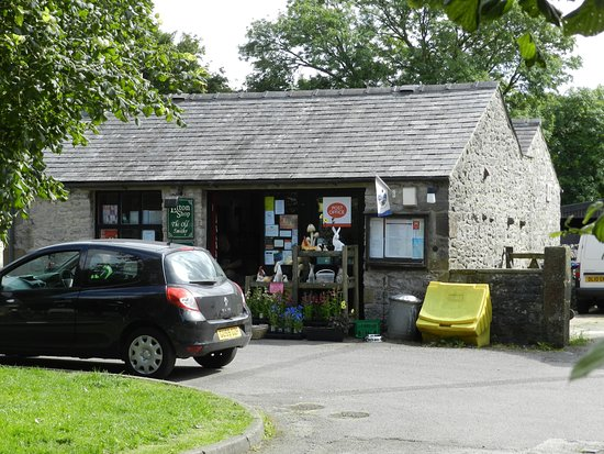 Litton, UK: The Village Shop (the old smithy)