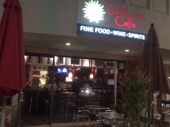 Sole Luna Cafe: Front Entrance