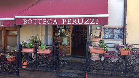 Artimino, Italien: Il ristorante dall'esterno
