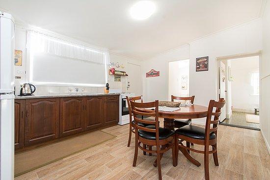 Angaston, Avustralya: Cottage 2 Kitchen