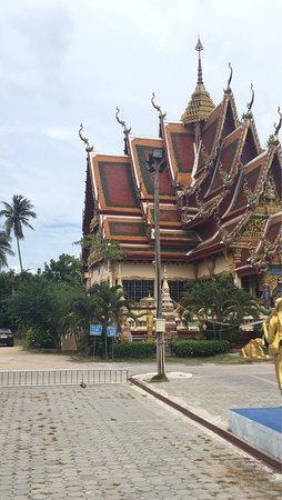Wat Plai Laem: photo5.jpg