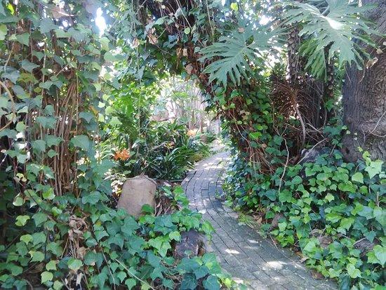 Laughing Chefs Boersjiek: up the gardenpath
