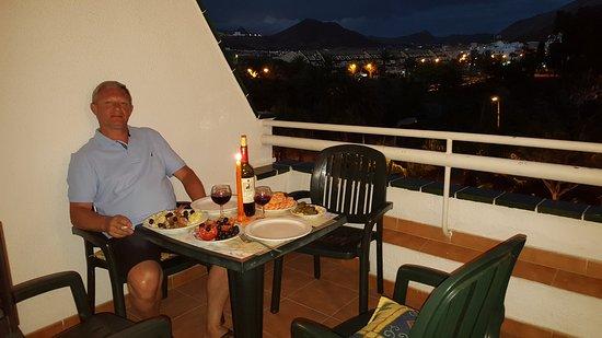 Hotel-Apartamentos Andorra: Ужин на лоджии