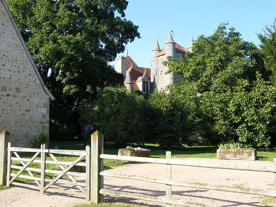 Autry-Issards, France : château du Plessis
