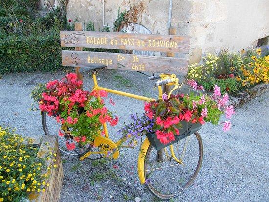 Autry-Issards, France : Balisage randonnées