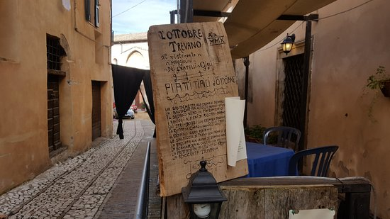 Trevi, Włochy: la sagra del sedano nero