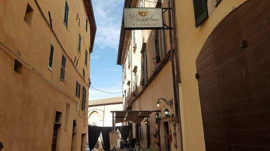 Trevi, Italie : il vicolo