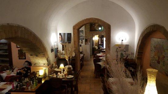 Trevi, Italie : imterni