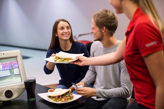 Bryne, Noruega: God mat er en viktig del av bowlingopplevelsen