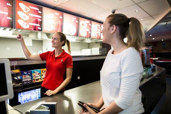 Bryne, Noruega: Stadion Bowling har stort og bredt utvalg i mat på menyen