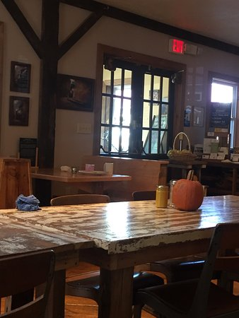 Bedford, PA: Vibrant fresh food in Rustic Setting