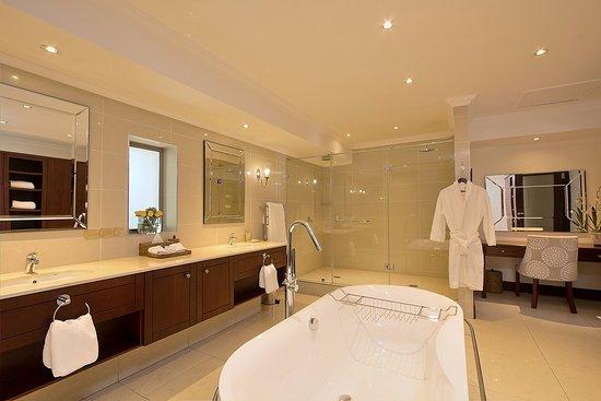 Rivonia, Zuid-Afrika: Presidential Suite Bathroom