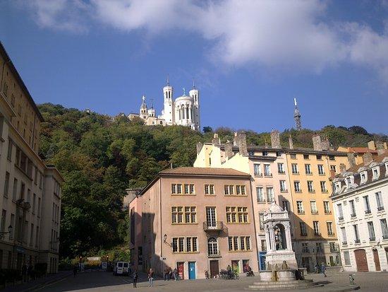 Kathedrale des hlg. Johannes: Cathedral de Saint-Jean-Baptiste, the view on Fourviere hill