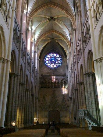 Kathedrale des hlg. Johannes: Cathedral de Saint-Jean-Baptiste, the rose window