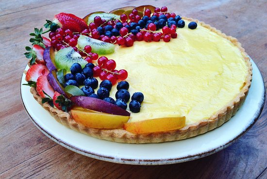 Poppi, Italië: Custard tart made from scratch despite never having made custard before!