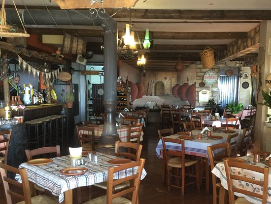 The Village Restaurant: Inside the taverna