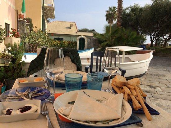 Bagni Pescetto Albisola Superiore : Raccoglie in formato mignon l eredità del ristorante pescetto