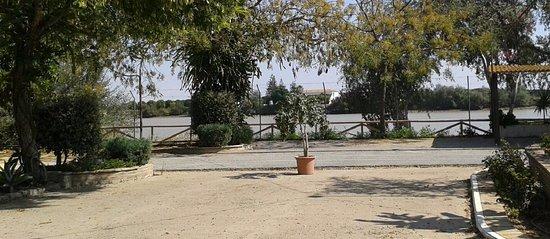 Asador El Rezón: Vista del Guadalquivir desde el Salón principal