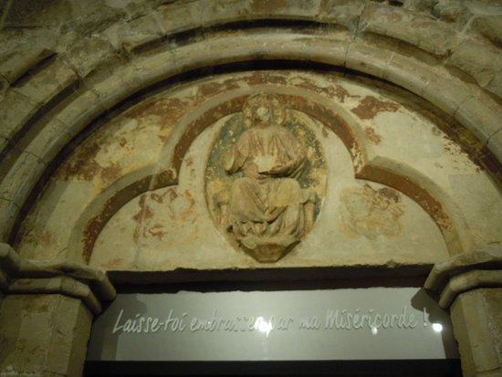 Peinture au dessus de la porte d 39 entr e de la chapelle - Peinture porte d entree ...