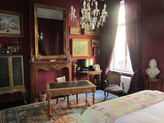 Saint-Gilles, Bélgica: One style of main room