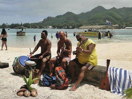 Muri, Cook Eilanden: Captains Tama`s Strandband