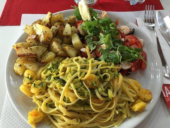 Nichelino, İtalya: Piatto tris di pesce!!!! Buonissimo!!!