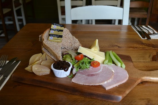 Stourport on Severn, UK: a beautiful Ham Ploughmans served on one of our rustic boards