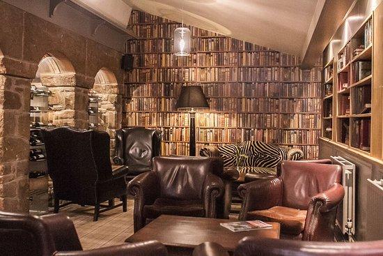 Stonedge, UK: Library Lounge