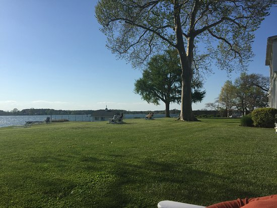 Sandaway Waterfront Lodging: View from the grounds