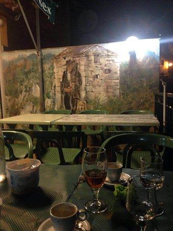 Chez Marie: Murales